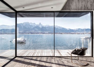 wohnhaus-see-schiebefenster-swissfineline